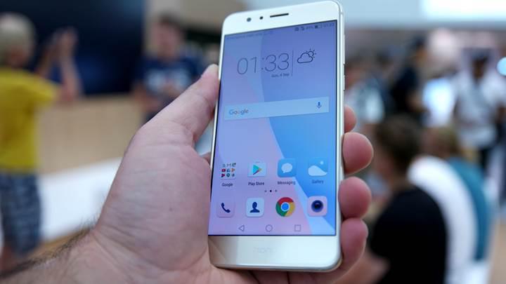 Huawei Honor 8 ön inceleme videosu