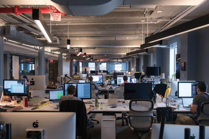 Twitter'ın çöküşü devam ediyor: Yüzlerce çalışan işten çıkarılıyor