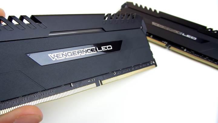 Corsair Vengeance LED RAM incelemesi