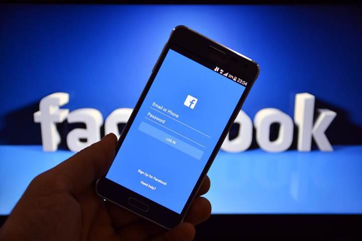 Facebook'un Snapchat tutkusu bitmiyor