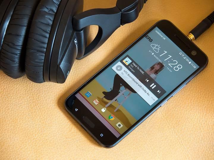 HTC de kavisli ekrana geçiyor