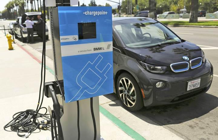 ABD karayollarına elektrikli araç şarj istasyonu ağı kurulması planlanıyor