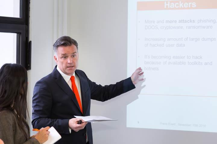 Strato'nun Almanya'daki veri merkezini gezdik, sorular sorduk