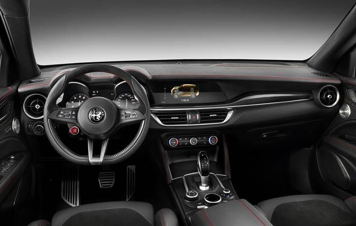 Alfa Romeo Stelvio: İtalyan üretici ilk SUV modelini tanıttı