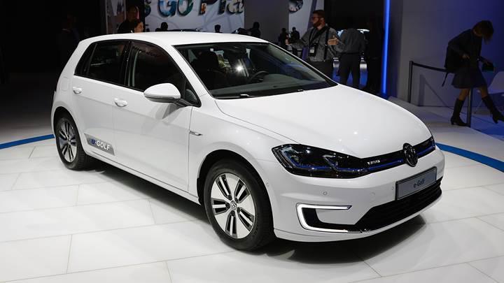 Volkswagen'in elektrikli aracı e-Golf yenilendi