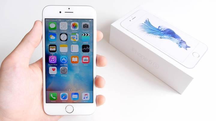 iPhone 6s modellerinin şarj bitmeden kapanma sorunu çözülüyor