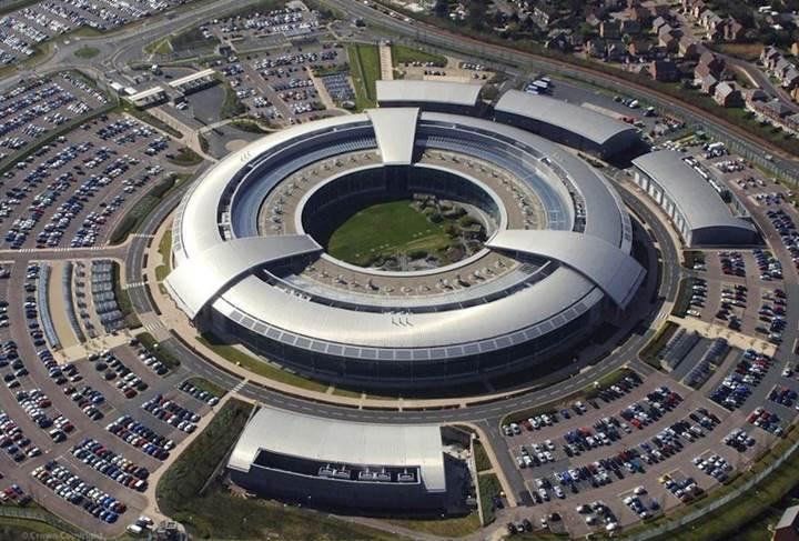 İngiltere, halkının internet üzerindeki her adımını tek tek izleyecek
