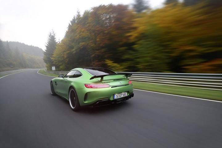 Mercedes AMG GT R, 7:10.9 dakika tur zamanı ile Nürburgring rekorunu kırdı