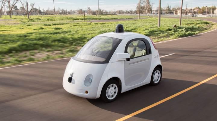 Google'ın direksiyonsuz ve pedalsız araç hayali rafa kalktı