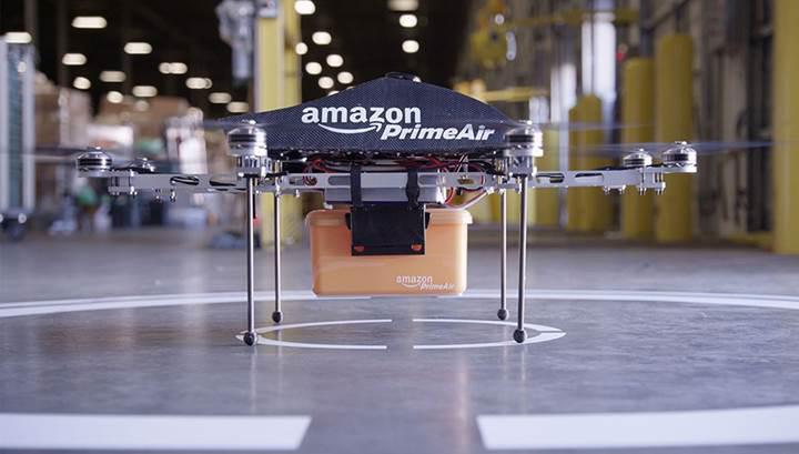 Amazon drone ile ilk ürün teslimatını gerçekleştirdi