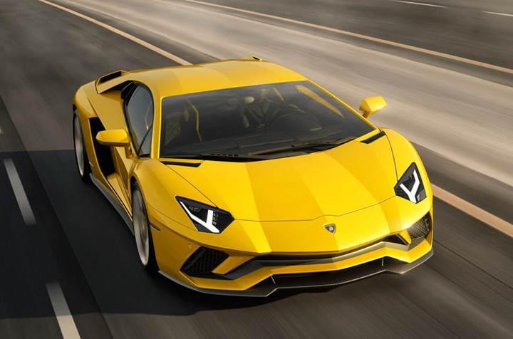 Lamborghini Aventador S: Daha güçlü, daha yetenekli
