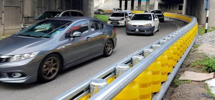 Ölümlü kazaları azaltacak Döner Bariyer sistemi hayata geçirildi