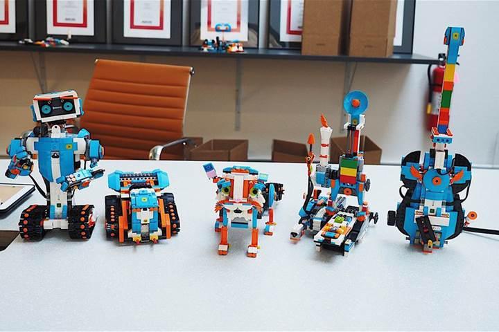 LEGO'dan programlanabilir robotlara dönüşen yeni set: Boost