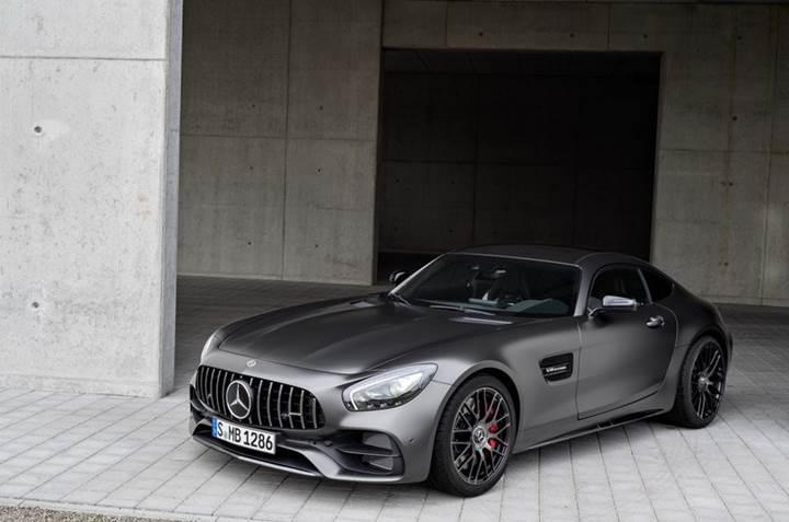 Mercedes-Benz, 2017 Detroit Otomobil Fuarında yeni modellerini sergiliyor