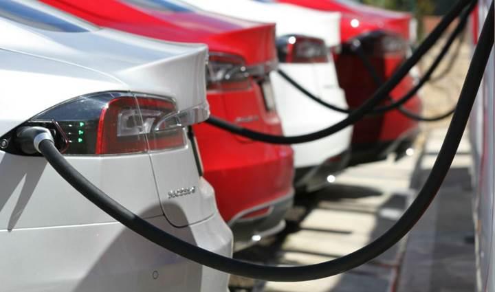 Yeni Tesla sahipleri için süperşarj ücretleri belli oldu
