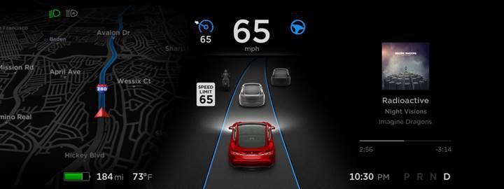 """Tesla, """"Gelişmiş Otomatik Pilot"""" için düğmeye bastı"""