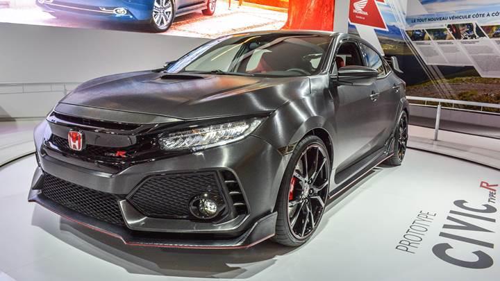 Honda Civic Type R prototipinin iç tasarımı ilk defa Montreal'de sergilendi