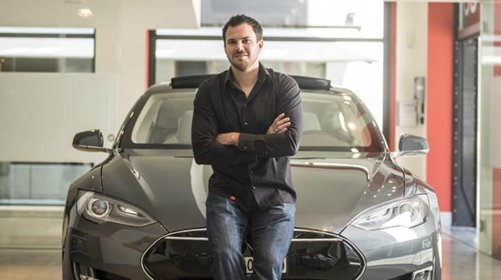 Tesla'lar gerektiğinde kendisi servise gidip, işlem bitince de geri dönebilir
