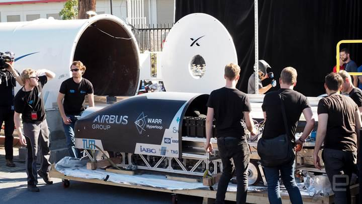 Öğrencilerin tasarladığı hyperloop kapsülleri tünelde test edildi
