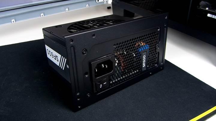 Corsair SF600 incelemesi