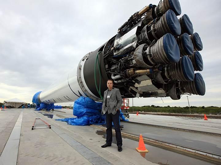 NASA'dan tasarruf hamlesi: SpaceX'in roketlerini başka şirketlerle paylaşacak