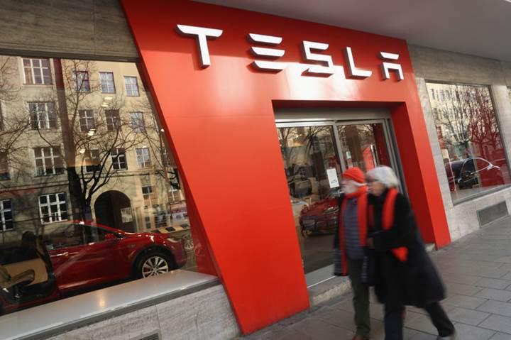 Tesla sahipleri, kendi arabalarını tamir edebilecek