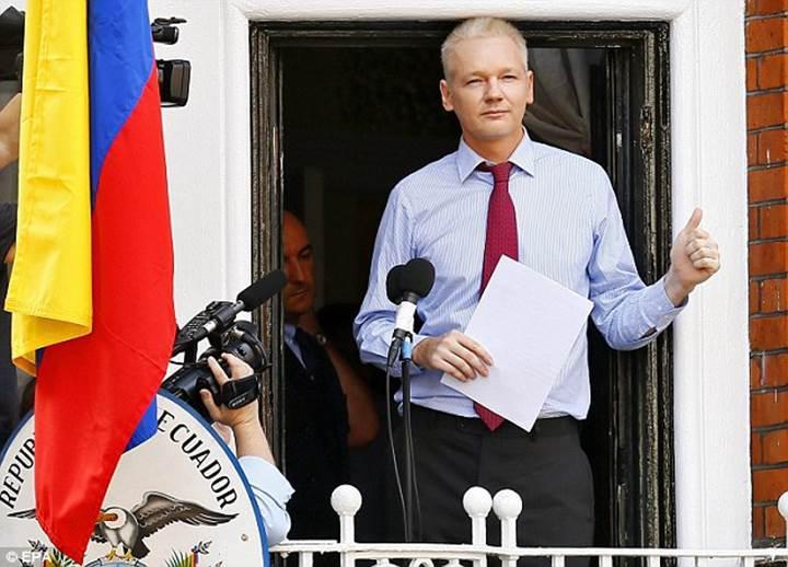 Wikileaks'in patronu Jullian Assange seçimlerdeki hack iddialarını değerlendirdi