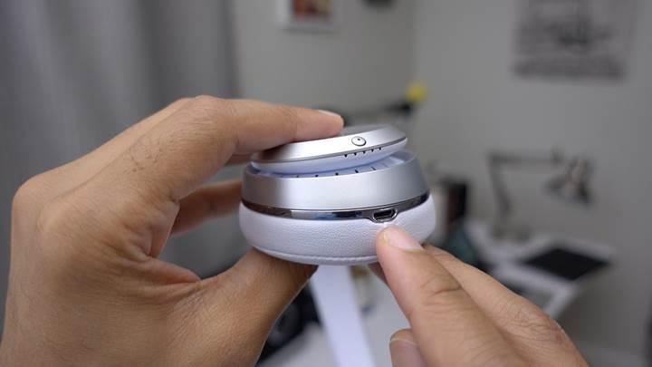 Apple, kulaklıklar için yeni bir bağlantı girişi geliştiriyor