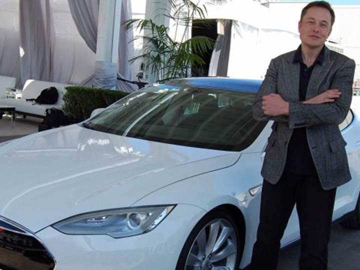 Trump'ın vergi tehditlerine karşı en güçlü otomobil üreticisi Tesla
