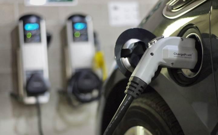 Türkiye'de ve dünyada elektrikli otomobil satışları ne durumda?