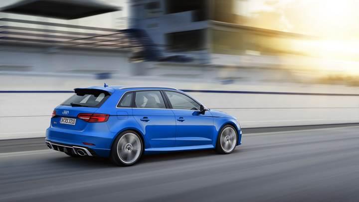 Makyajlanan 400 beygirlik yeni Audi RS3, Cenevre'de görücüye çıkacak