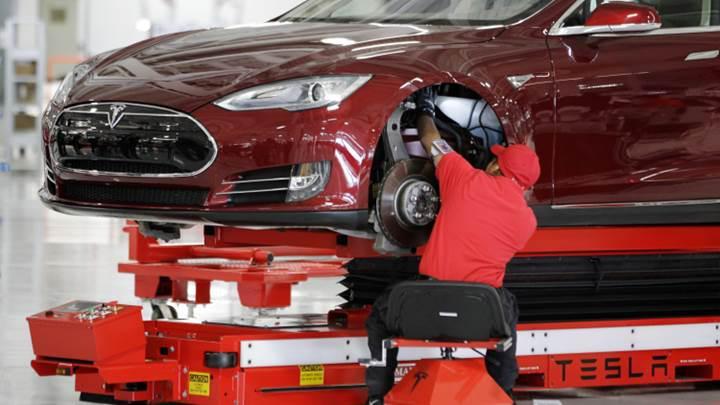 Elon Musk, Tesla'daki çalışma koşullarını açıkladı