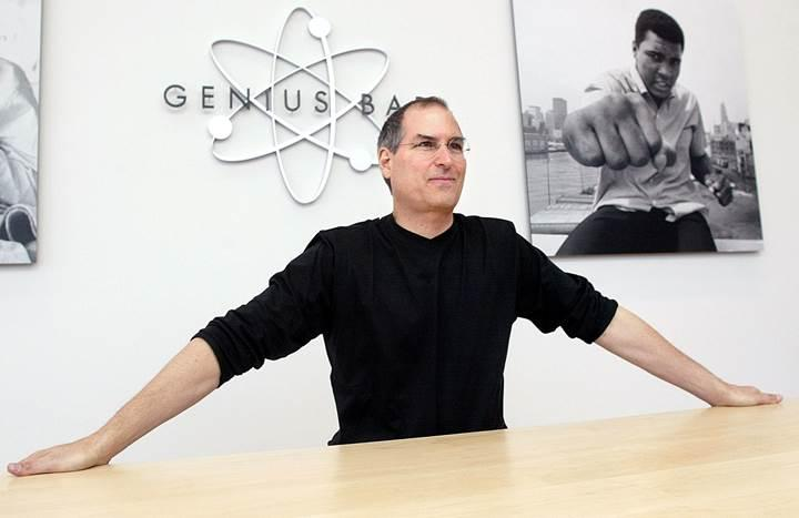 Steve Jobs: Genius Bar fikri aptalca, işe yaramaz!