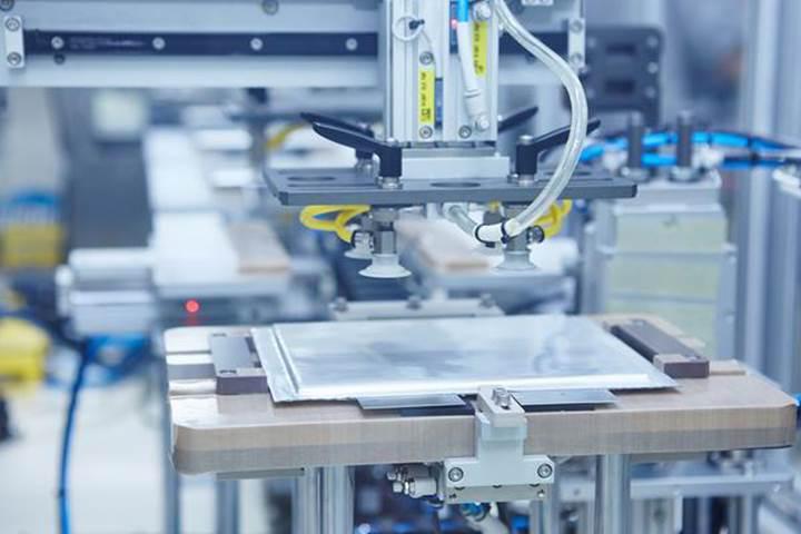 Mercedes-Benz'in batarya üreticisi, üretim kapasitesini iki katına çıkarıyor