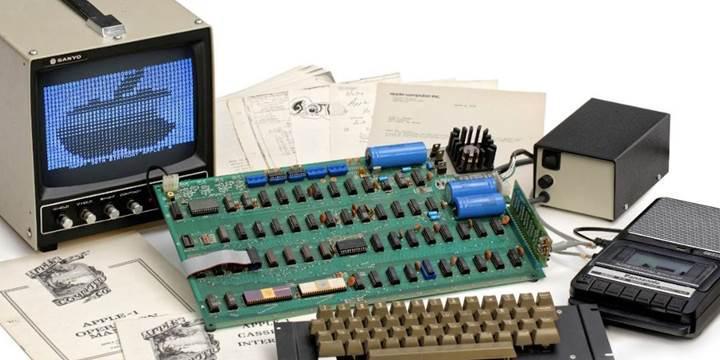 Üretilen ilk Apple bilgisayarı Apple-1 açık artırmayla satılacak