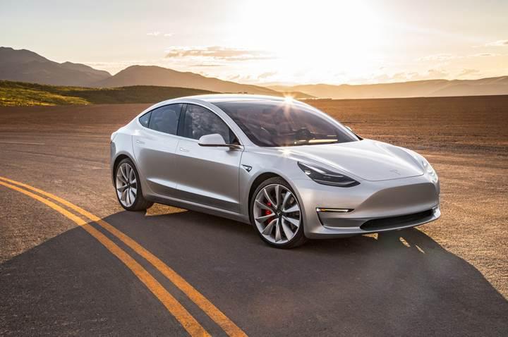 Tesla Model 3 ortalama bir otomobilden 10 kat daha güvenli olabilir