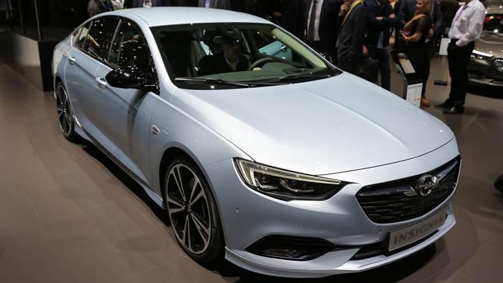 Opel yeni Insignia'nın üretimi için butona bastı