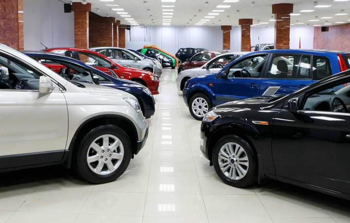Otomobil ve hafif ticari araç satışlarında önemli bir düşüş yaşandı