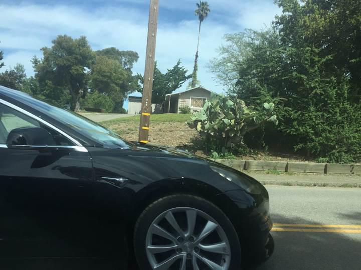 Tesla Model 3'den yeni görüntüler: Araç yeni sensörlerle mi gelecek?
