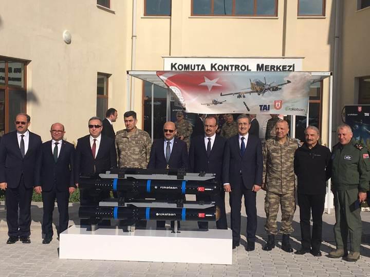 Yerli üretim Silahlı Hürkuş L-UMTAS atışı yaptı