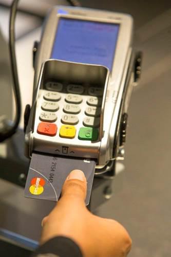 MasterCard, parmak izi sensörlü kartını tanıttı