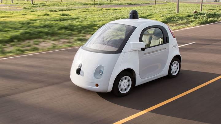 Apple ve Tesla sürücüsüz otomobil testlerinde değişim istiyor