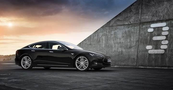 Tesla Model 3'ün üretiminde Kuka robotlar kullanılacak