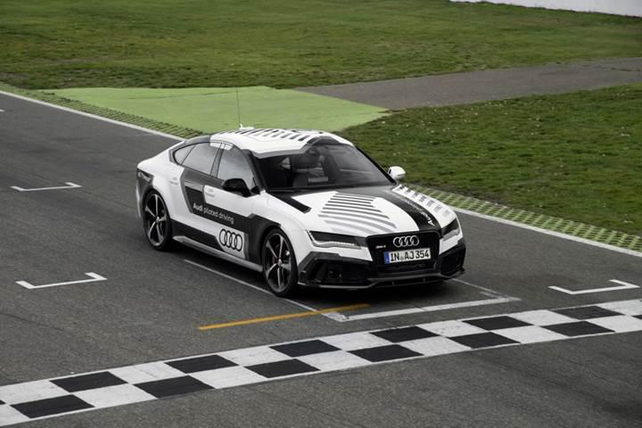 Audi, 3. seviye sürücüsüz otomobillerin testlerine başlıyor