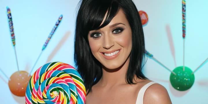 Katy Perry, 100 milyon Twitter takipçisine ulaşan ilk kişi oldu