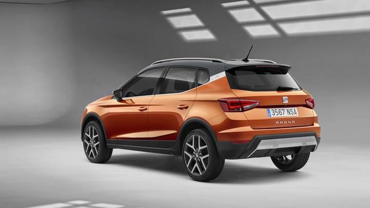 Seat'ın yeni küçük SUV'si Arona resmen tanıtıldı