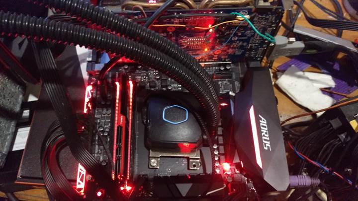 AMD Ryzen işlemcili sistemde rekor bellek frekansı