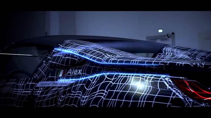 BMW i8 Roadster'a ait ilk teaser video yayınlandı