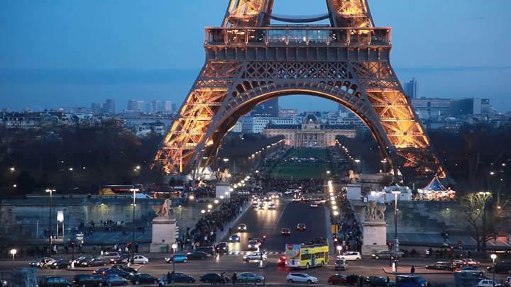 Fransa'dan dev adım: 23 yıl içinde benzinli ve dizel araçlar yasaklanacak