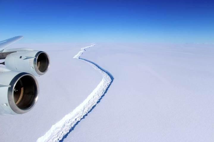 İstanbul'un 4 katı büyüklüğünde buzdağı koptu: Deniz seviyesi yükselebilir
